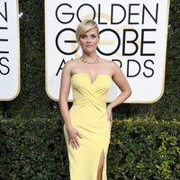 Reese Witherspoon en la alfombra roja de los Globos de Oro 2017