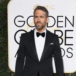 Ryan Reynolds en la alfombra roja de los Globos de Oro 2017