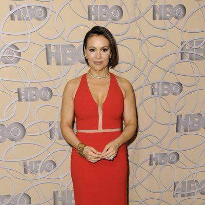 Alyssa Milano en la fiesta de HBO tras los Globos de Oro 2017