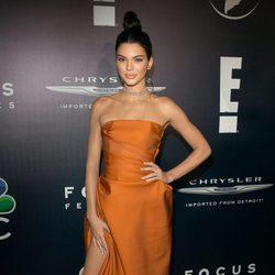 Kendall Jenner en la fiesta de NBC tras los Globos de Oro 2017