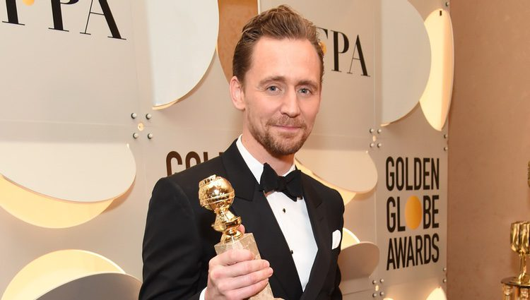 Tom Hiddleston después de la gala de los Globos de Oro 2017