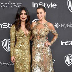 Priyanka Chopra y Sofía Vergara en la fiesta de Warner Bros tras los Globos de Oro 2017