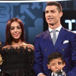 Cristiano Ronaldo presenta oficialmente a su novia Georgina Rodríguez en los Premios de la FIFA 2016