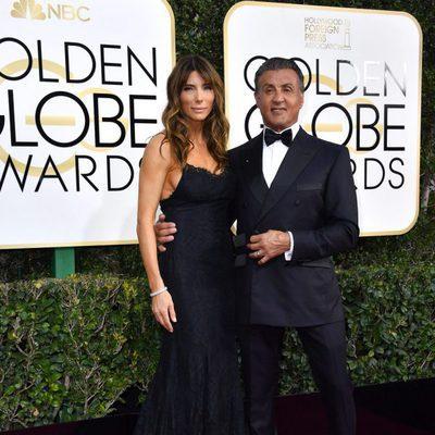 Sylvester Stallone y su mujer Jennifer Flavin en los Globos de Oro 2017