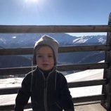 Nicolás de Suecia durante unas vacaciones de invierno en los Alpes suizos
