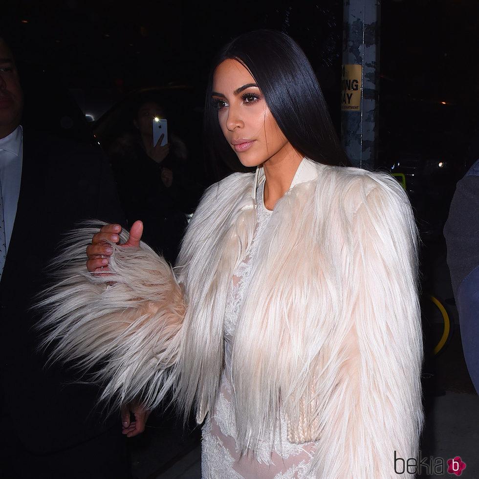 Kim Kardashian saliendo del rodaje de 'Ocean's Eight'