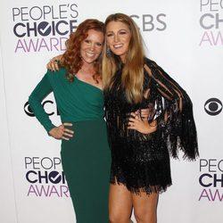 Las hermanas Blake y Robyn Lively en la alfombra roja de los People's Choice Awards 2017