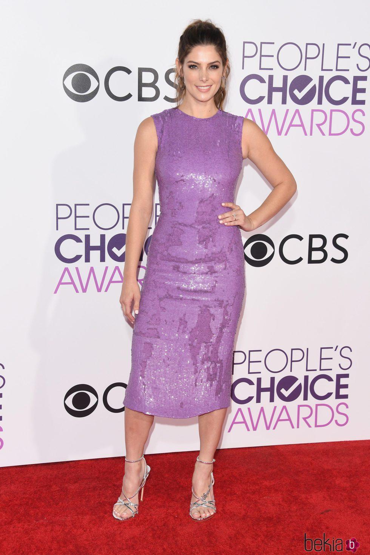 Ashley Greene en la alfombra roja de los People's Choice Awards 2017