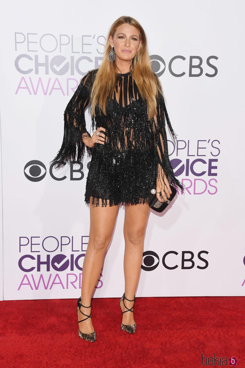 Blake Lively en la alfombra roja de los People's Choice Awards 2017