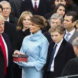 Donald Trump jurando su cargo de presidente de Estados Unidos