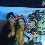 Tamara Gorro se divierte junto a Rosa Benito y Rosario Mohedano en la fiesta de su 30 cumpleaños