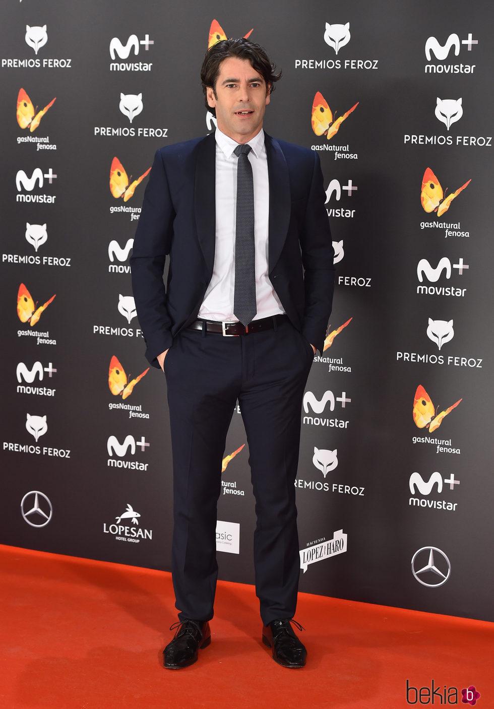 Eduardo Noriega en la alfombra roja de los Premios Feroz 2017