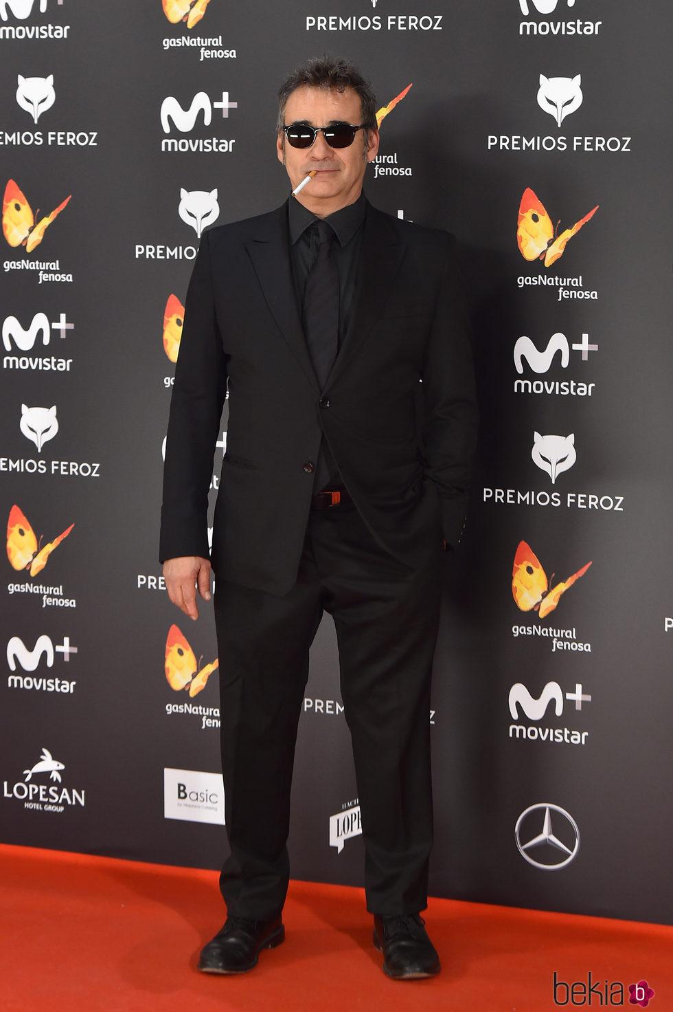 Eduard fern ndez en la alfombra roja de los premios feroz - Alfombras los fernandez ...