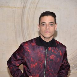 Rami Malek en el desfile primavera/verano 2017 de Dior en la Semana de la Alta Costura de París