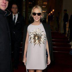 Kylie Minogue en el desfile de Schiaparelli primavera/verano 2017 en la Semana de la Alta Costura de París
