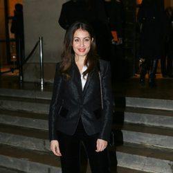 Hiba Abouk llegando al desfile primavera/verano 2017 de Giorgio Armani Privé en la Semana de la Alta Costura de París