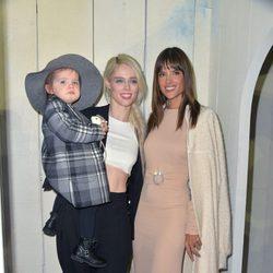 Alessandra Ambrosio, Coco Rocha y su hijo en el desfile de Bonpoint en la Semana de la Alta Costura de París