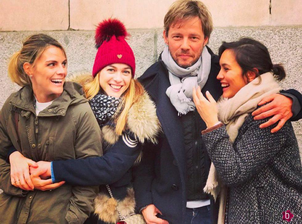 Amaia Salamanca, Marta Hazas, Eloy Azorín y Megan Montaner en un reencuentro de 'Gran Hotel'