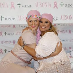 Terelu Campos y Bimba Bosé en la campaña 2015 de lucha contra el cáncer de mama