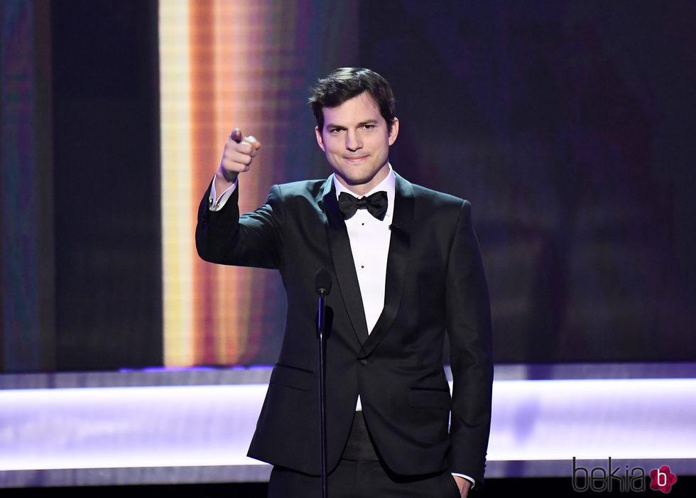 Ashton Kutcher inauguró los SAG Awards 2017