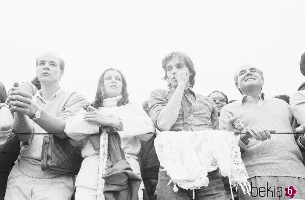 Miguel Bosé y Ana Obregón en los toros en 1980