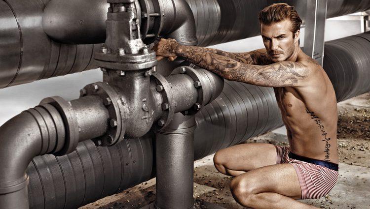 David Beckham posa en calzoncillos para la campaña Bodywear 2014 de H&M