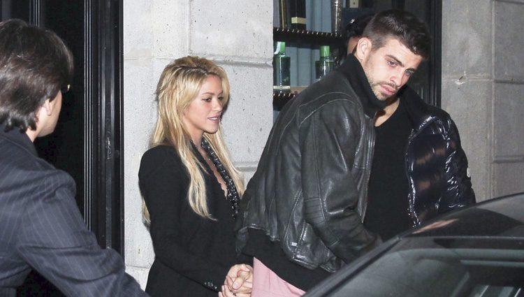 Gerard Piqué y Shakira pillados cogidos de la mano por primera vez
