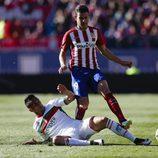 Lucas Hernández en un partido de Liga del Atlético de Madrid contra el Granada