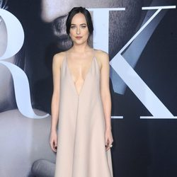 Dakota Johnson en el estreno de 'Cincuenta Sombras más Oscuras' en Los Angeles