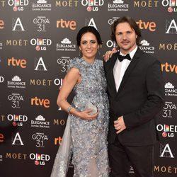 Ana Turpin y Carlos Castell en la alfombra roja de los Premios Goya 2017
