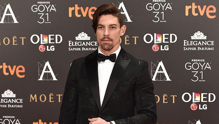 Adrián Lastra en la alfombra roja de los Premios Goya 2017