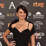 Penélope Cruz posa en la alfombra roja de los Goya 2017