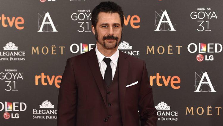 Hugo Silva en la alfombra roja de los Premios Goya 2017