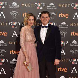 Albert Rivera y Beatriz Tajuelo en la alfombra roja de los Premios Goya 2017