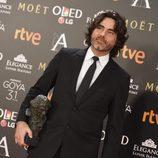 Óscar Faura con su premio Goya 2017