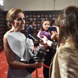 Ana Belén atendiendo a la prensa tras recoger su Goya de Honor