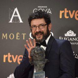 Manolo Solo posa con su Goya a Mejor Actor de Reparto