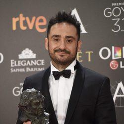 Juan Antonio Bayona con su Goya como Mejor Director