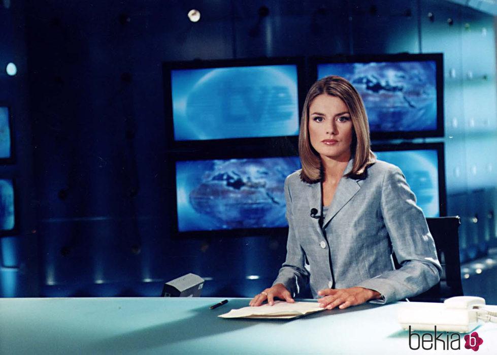 La Reina Letizia cuando era periodista en TVE