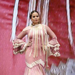 Gloria Camila desfilando en SIMOF 2017