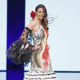 Laura Matamoros desfilando en SIMOF 2017