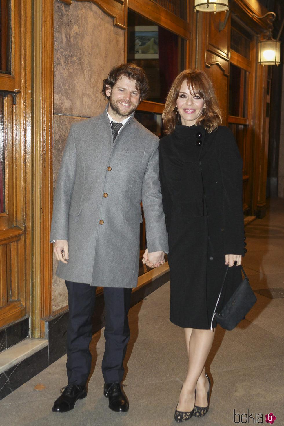 María Adánez con su novio Nacho Medrano en la entrega del Premio Miguel Mihura