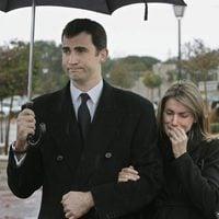Los Reyes Felipe y Letizia, rotos de dolor en el funeral de Erika Ortiz
