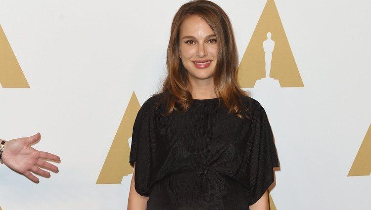 Natalie Portman en el almuerzo de los nominados a los Oscar 2017