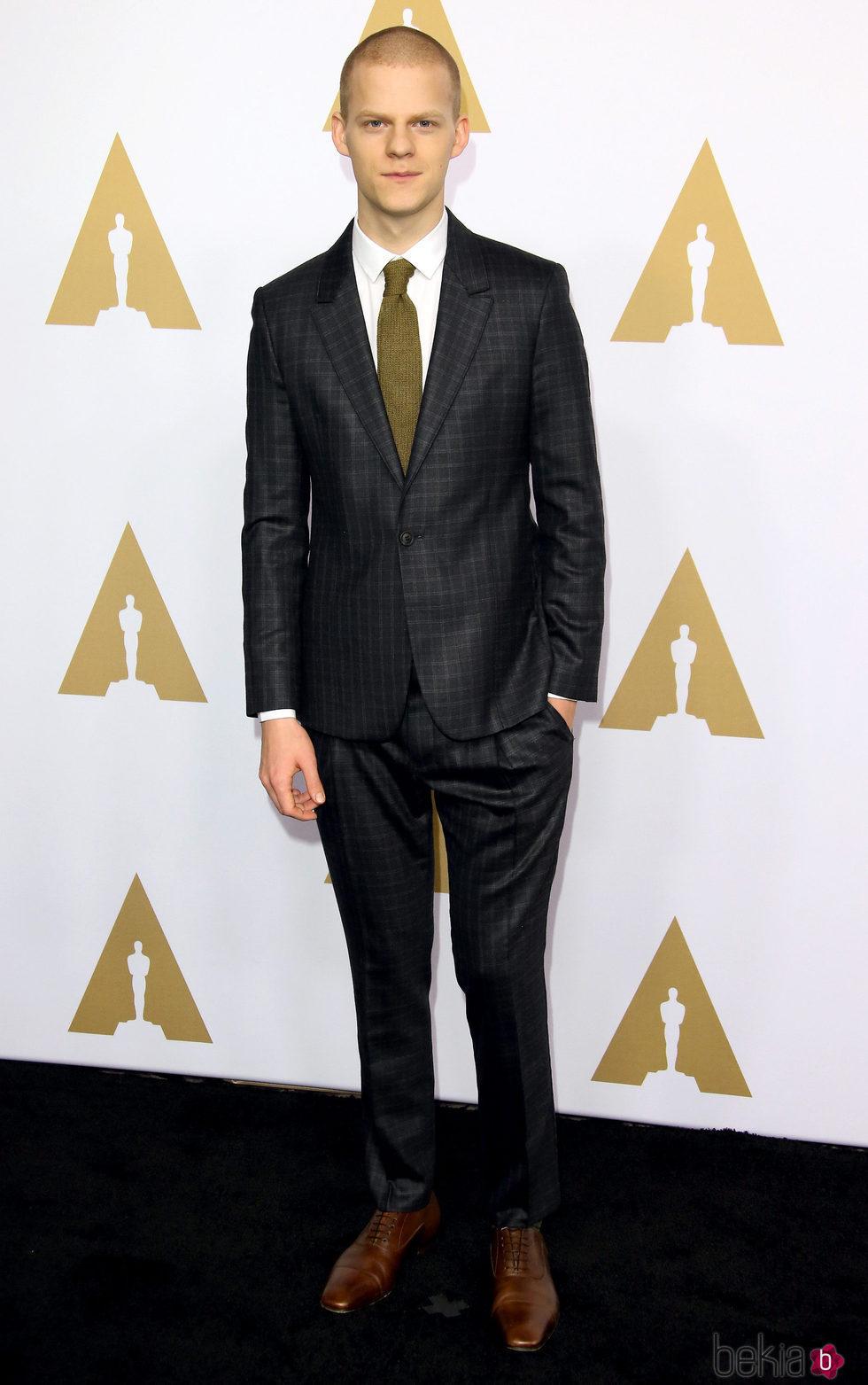 Lucas Hedges en el almuerzo de los nominados a los Oscar 2017