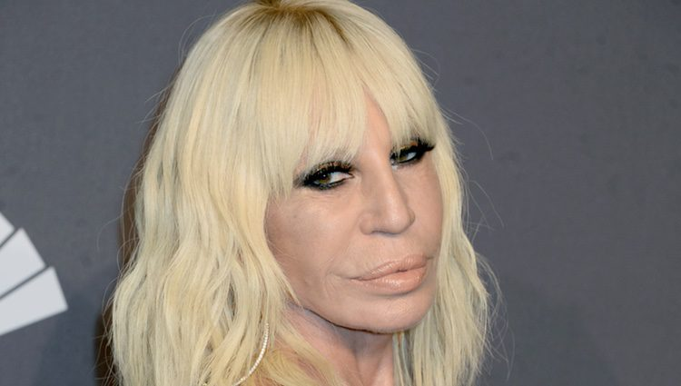 Pen lope cruz ser donatella versace en 39 american crime for Donatella versace beach