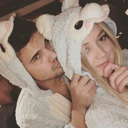 Taylor Lautner y Billie Lourd, muy enamorados