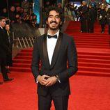Dev Patel en la alfombra roja de los Premios Bafta 2017