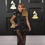 Paulina Rubio en la alfombra roja de los Premios Grammy 2017