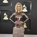 Katy Perry en la alfombra roja de los Premios Grammy 2017
